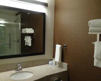 Fairfield Inn & Suites by Marriott Atlanta Buford/Mall of Georgia - Buford - Bathroom