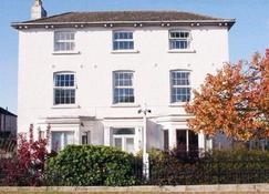 Brookthorpe Lodge - Gloucester - Κτίριο