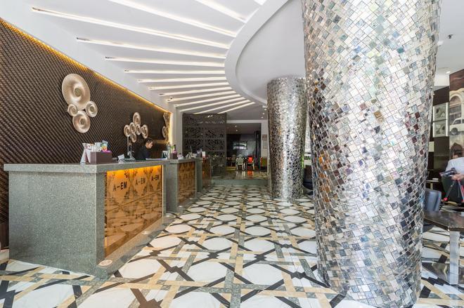 A&em Hotel - Hai Ba Trung - Ho Chi Minh City - Front desk