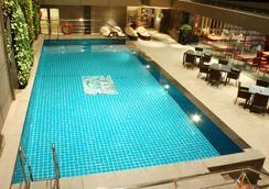 Radisson Chennai City Centre, India - Chennai - Pool