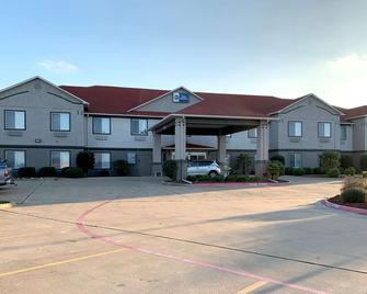 Best Western Limestone Inn & Suites - Mexia - Building