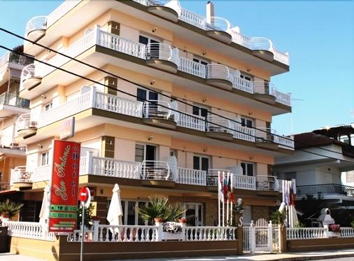 聖安東尼奧酒店 - 帕拉利亞卡泰里尼斯 - 建築