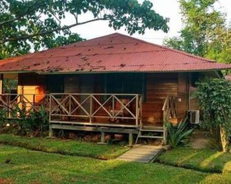 Manish Hotel Ecológico - Pucallpa - Outdoors view