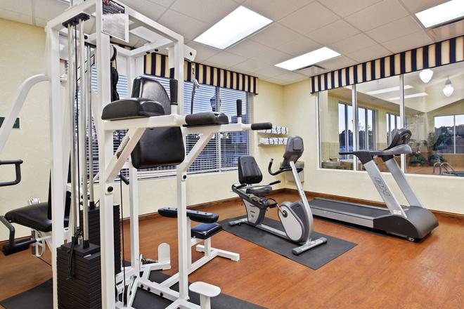 Country Inn & Suites by Radisson, Wilson, NC - Wilson - Gym