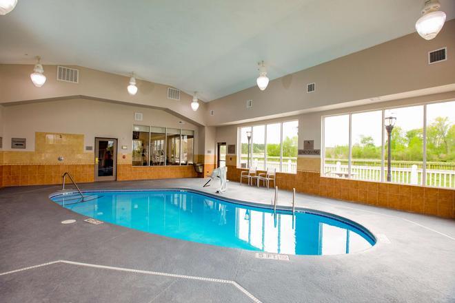 Country Inn & Suites by Radisson, Wilson, NC - Wilson - Pool