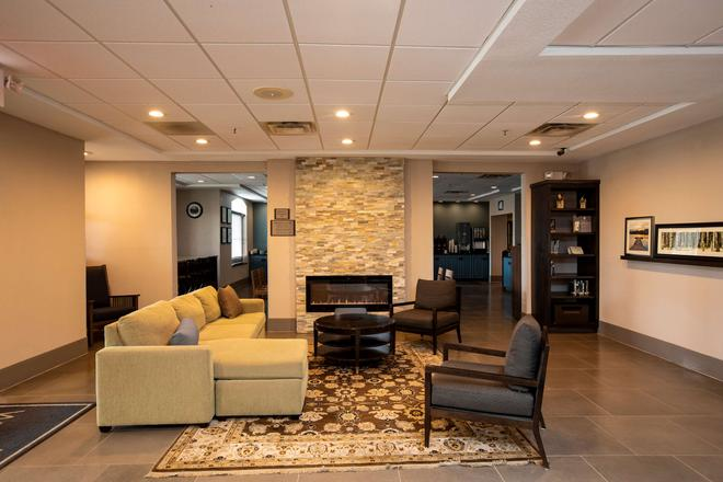 Country Inn & Suites by Radisson, Wilson, NC - Wilson - Lobby