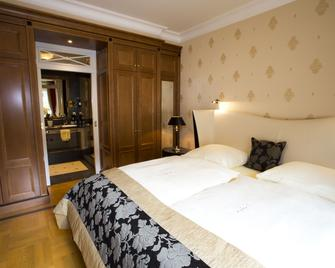 Mokni's Palais Hotel & Spa - Bad Wildbad - Bedroom