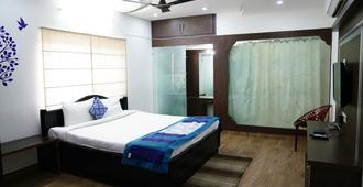 Hitech Shilparamam Guest House - Hyderabad - Bedroom