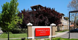 TownePlace Suites by Marriott San Jose Cupertino - Σαν Χοσέ - Θέα στην ύπαιθρο