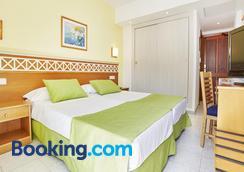 Universal Hotel Bikini - Cala Millor - Κρεβατοκάμαρα