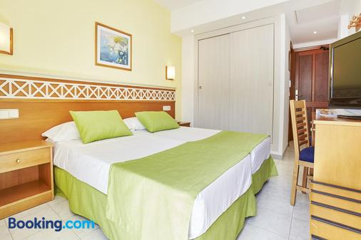 Universal Hotel Bikini - Cala Millor - Bedroom