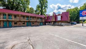 Motel 6 Gatlinburg Smoky Mountains - Gatlinburg - Toà nhà
