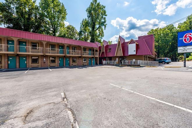 Motel 6 Gatlinburg Smoky Mountains - Gatlinburg - Rakennus