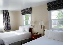 Monument Mountain Motel - Great Barrington - Bedroom