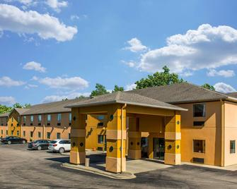 Quality Inn and Suites Mason Hwy 42 - Mason - Gebäude