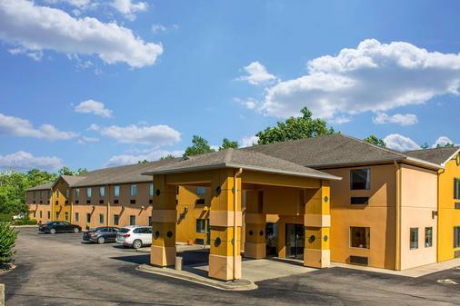 Quality Inn and Suites Mason Hwy 42 - Мейсон - Здание