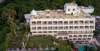 Hotel Hilltop Palace - Udaipur - Building