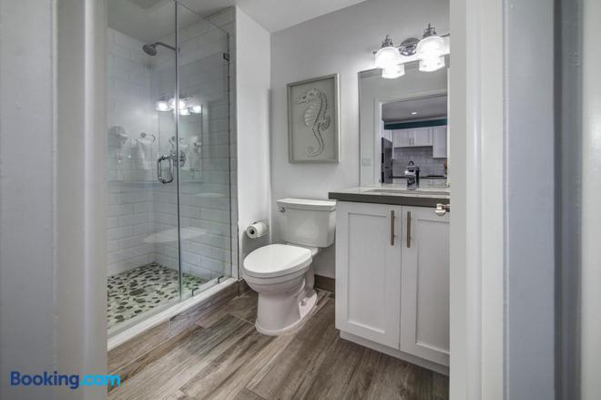 May-Dee Suites - Hollywood - Bathroom