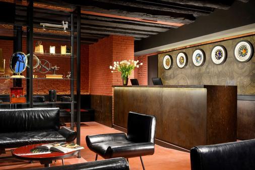 Hotel L'Orologio Venezia - Venice - Front desk