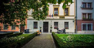 Pension City - Pilsen - בניין