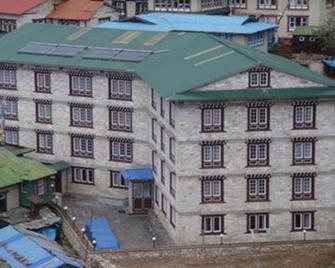 Hotel Sherpaland - Nāmche Bāzār - Building