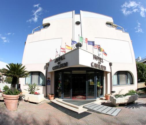 Best Western Hotel Dei Cavalieri - Barletta - Gebäude