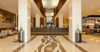 Flora Al Barsha Hotel At The Mall - דובאי - דלפק קבלה
