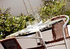 鐘樓波爾多中央聖簡車站酒店 - 波爾多 - 波爾多 - 餐廳