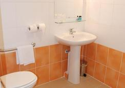 Centre International de Séjour - Hostel - Fort-de-France - Bathroom
