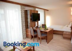 Hotel-Restaurant Teuschler-Mogg - Bad Waltersdorf - Bedroom