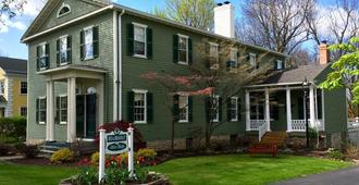 Bed and Breakfast at Oliver Phelps - Canandaigua - Edificio