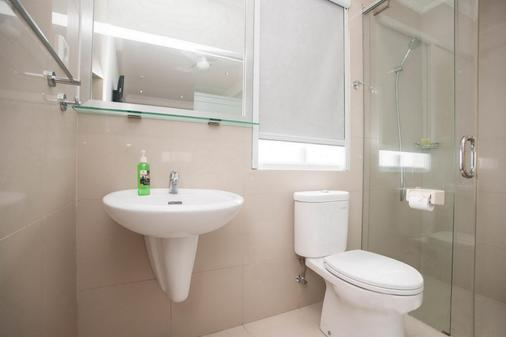 Samsara Inn - Kuta - Bathroom