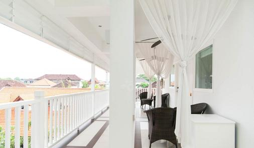 Samsara Inn - Kuta - Balcony