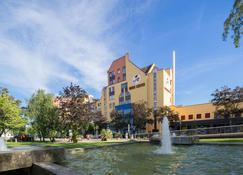 Best Western Hotel Dreilaenderbruecke - Weil am Rhein - Building