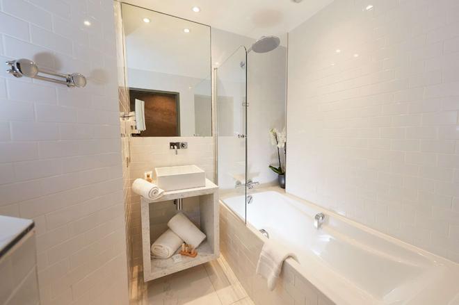 Best Western Plus Clos Syrah - Valence - Bathroom