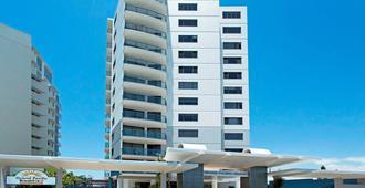 Breakfree Grand Pacific Caloundra - Caloundra - Gebäude