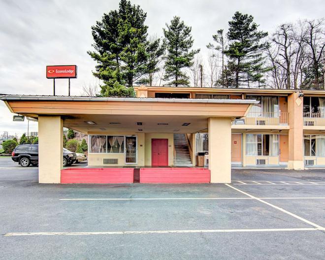 Econo Lodge Wytheville I-77 and I-81 - Wytheville - Rakennus