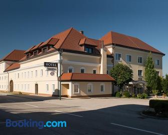 Hotel Vösenhuber - Kronstorf - Gebouw