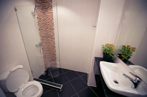 Best Western Royal Buriram Hotel - Buri Ram - Bathroom