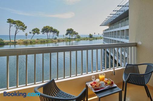 南普萊因藍色假日俱樂部酒店 - 耶爾 - 耶爾 - 陽台