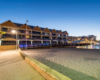 Dolphin Quay Apartments - Mandurah - Gebouw