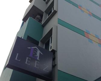 Leez Inn - Manila - Building