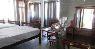 Amadeo Beach Resort - Hikkaduwa - Bedroom