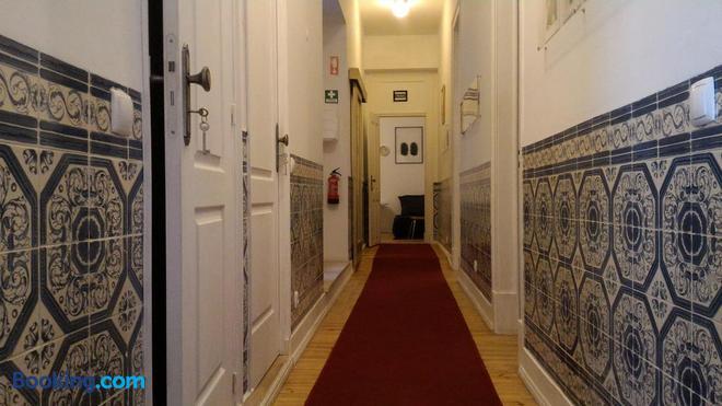 Ritz & Freud - Lisbon - Hallway