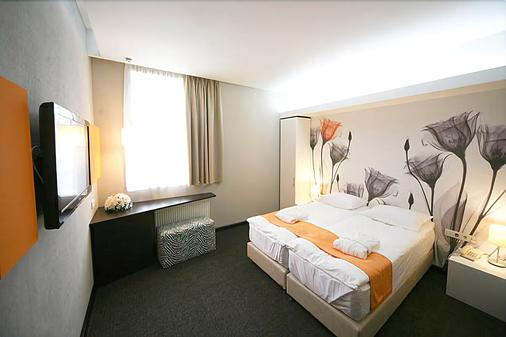 City Park Hotel - Bila Tserkva - Bila Tserkva - Bedroom