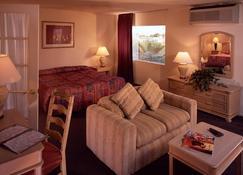 Desert Hot Springs Spa Hotel - Desert Hot Springs - Bedroom
