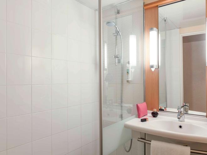 宜必思巴黎拉德芳斯中心酒店 - 庫爾伯瓦 - 庫伯瓦 - 浴室
