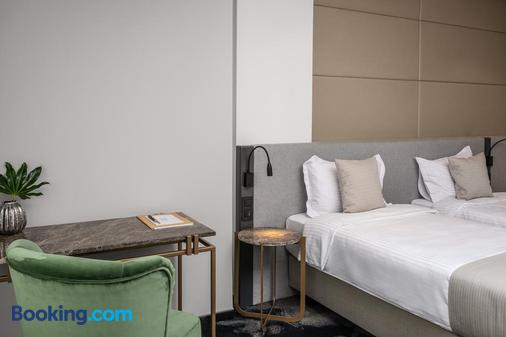 河濱公園飯店 - 克盧日-納波卡 - 臥室