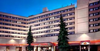 Sheraton Cavalier Calgary Hotel - Calgary - Edificio