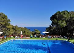 卡拉葉巴達露營酒店 - 濱海托薩 - 游泳池